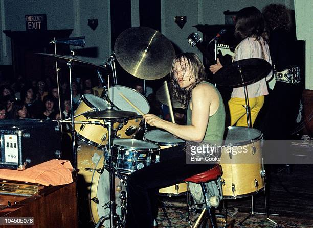 Dale 'Buffin' Griffin of Mott The Hoople performs on stage at Birmingham Town Hall on December 26 1970.