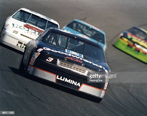 Dale Earnhardt clinched his 6th NASCAR Cup Series title in '93 after a 10thplace finish in the season finale at Atlanta