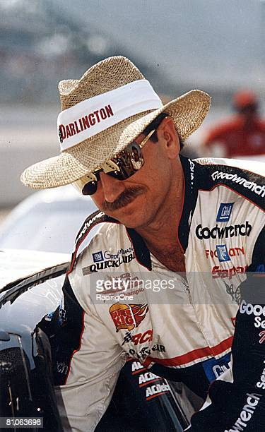 Dale Earnhardt recorded his ninth career win at Darlington in 1994 just one shy of David Pearsons alltime mark of 10