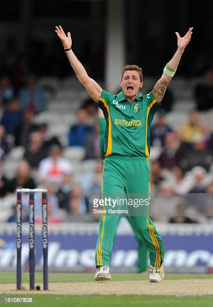 Dale Steyn of South Africa celebrates the wicket of Ian Bell of England during the 3rd NatWest Series ODI between England and South Africa at the Kia...
