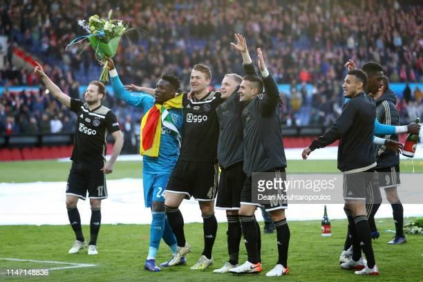 Daley Blind Andre Onana Matthijs de Ligt Donny van de Beek and Dusan Tadic of Ajax celebrate winning the Dutch Toto KNVB Cup Final between Willem II...