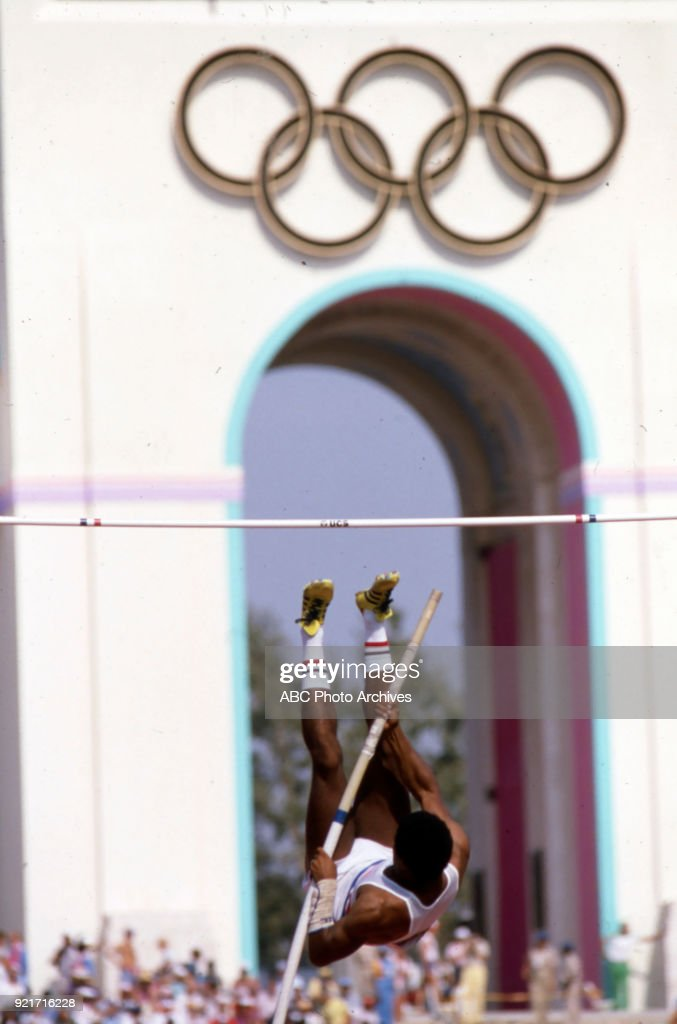 Men's Decathlon Pole Vault Competition At The 1984 Summer Olympics : Foto di attualità
