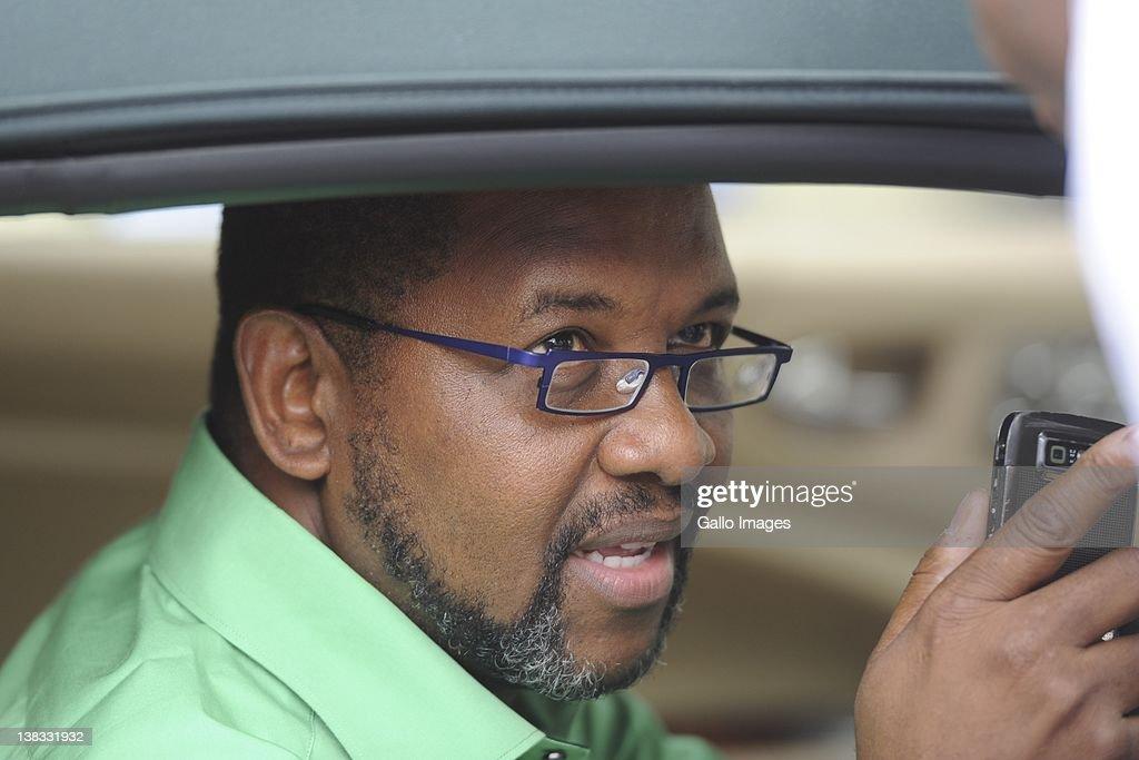 Dali Mpofu arrives at Winnie Madikizela-Mandela's house in ...