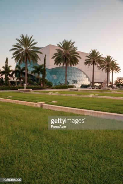 ダリ博物館 - セントピーターズバーグ、フロリダ州 - フロリダ セントピーターズバーグ ストックフォトと画像