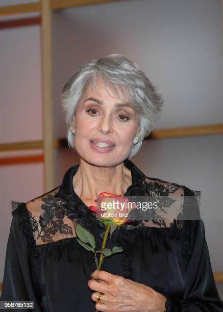Daliah Lavi Daliah Lavi * - Schauspielerin, Sängerin, Israel/USA Porträt in der Aktuellen Schaubude aus Hamburg