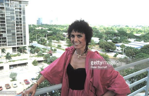 Daliah LaviGans Ausflug Miami Florida USA Nordamerika Balkon Aussicht Wolkenkratzer Sängerin ExSchauspielerin ExModel SI