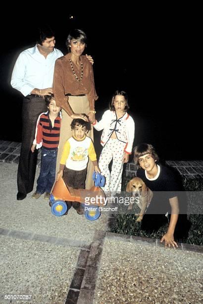 Daliah LaviGans Ehemann Chuck Gans Sohn Steven Sohn Alexander Tochter Cathy Sohn Rouven Homestory Garten Miami Florida USA Nordamerika Hund Tier Auto...