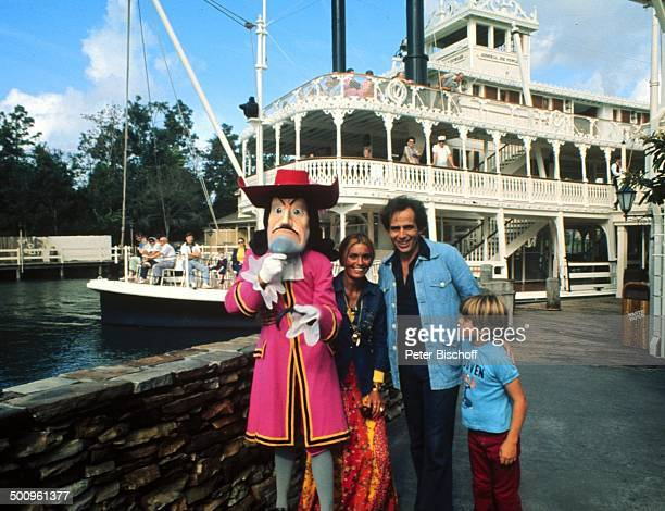 Daliah LaviGans Ehemann Peter Rittmaster Sohn Rouven Sunset Island/Miami Beach/Florida/USA/Amerika/USA Disney World Promi Foto PBischoff Sc