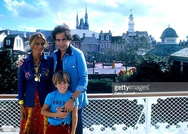 Daliah LaviGans ExEhemann Peter Rittmaster Sohn Rouven Disneyworld Florida/USA Nordamerika Familie CW Foto Peter Bischoff/D Sc