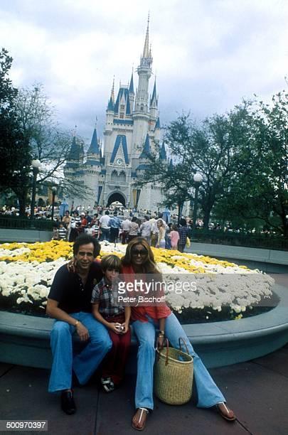 Daliah LaviGans ExEhemann Peter Rittmaster Sohn Rouven Disneyworld Florida/USA Nordamerika Blumen Schloss Schloß Familie CW Foto Peter Bischoff/D Sc