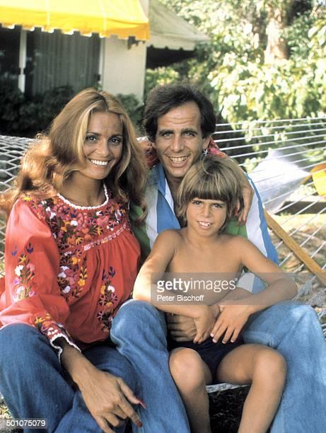 Daliah LaviGans ExEhemann Peter Rittmaster Sohn Rouven Sunset Island Miami Beach Florida United States of America NordAmerika BabyBauch Hängematte...