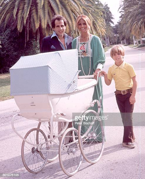 Daliah LaviGans ExEhemann Peter Rittmaster Sohn Rouven Sunset Island Miami Beach Florida United States of America NordAmerika Kinderwagen Baby...