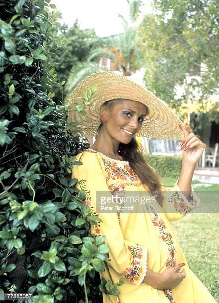 Daliah LaviGans Sunset Island Miami Beach Florida United States of America NordAmerika BabyBauch Sonnenhut ExSchauspielerin ExSchlagerSängerin...