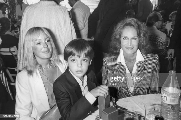 Dalida au Trophée Lancôme avec Babette Sardou et son fils Romain le 4 octobre 1983 à SaintNomlaBretèche France