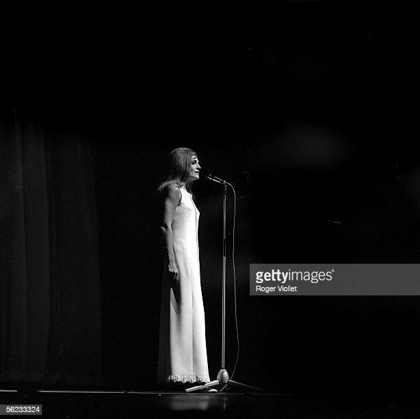Dalida French singer on ths stage of the Olympia Paris HA204912