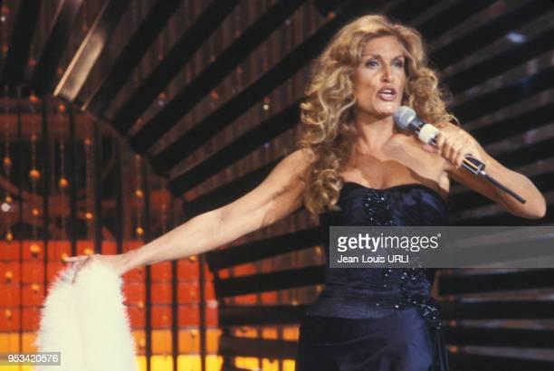 Dalida lors d'un show télévisé en 1981 à Paris, France.