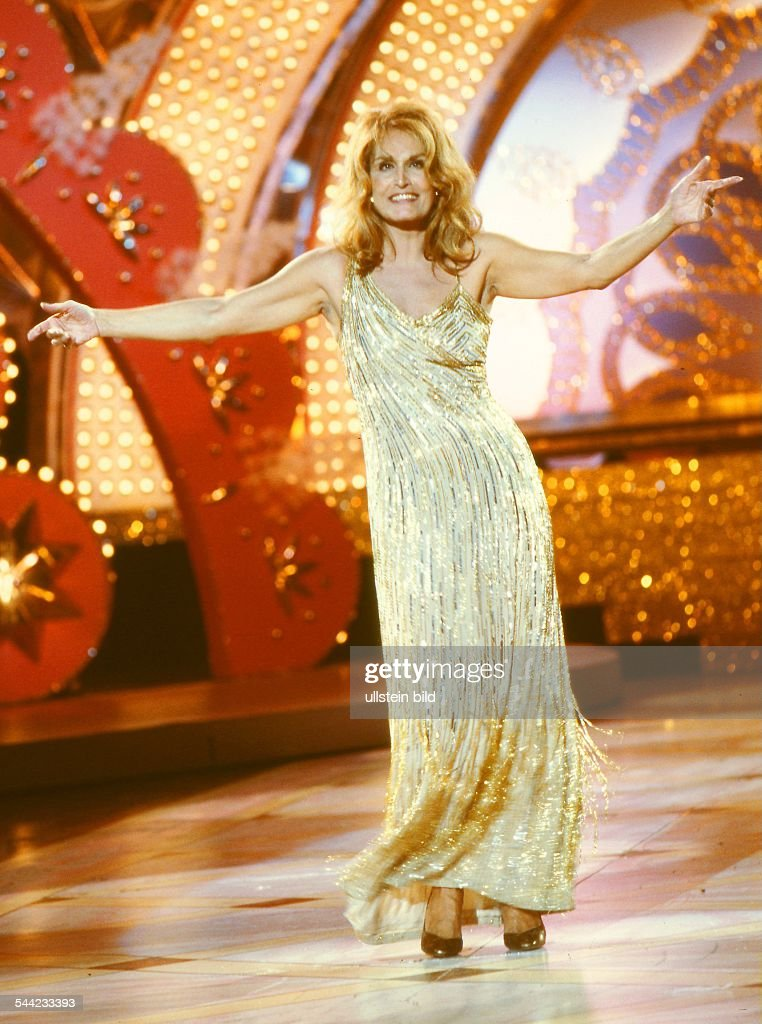 Dalida - französische Sängerin Pictures | Getty Images