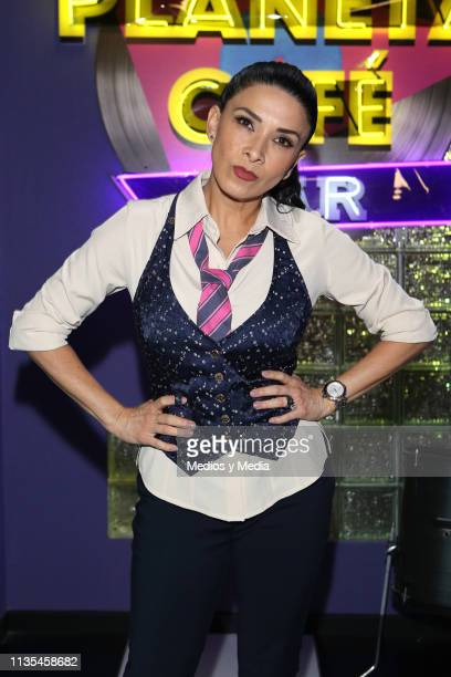 Dalilah Polanco pose for photos during the premiere of Televisa's TV series 'Simón Dice' on March 12 2019 in Mexico City Mexico