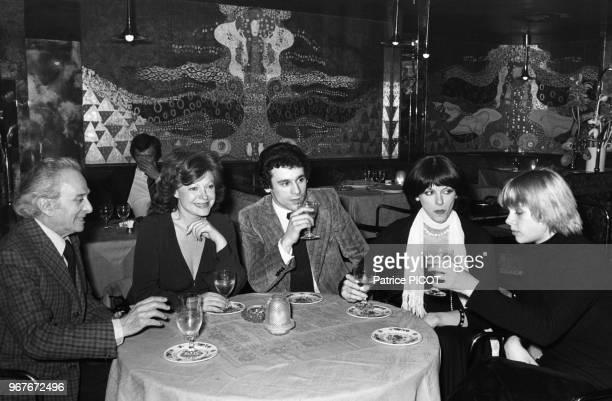 Dalio Régine Francis Perrin et Annie Duperey à Paris le 14 avril 1974 France