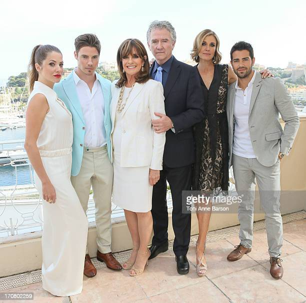 Dallas Cast Julie Gonzalo Josh Henderson Linda Gray Patrick Duffy Brenda Strong and Jesse Metcalfe pose at the Hermitage Hotel on June 11 2013 in...