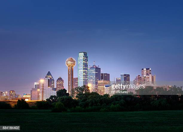dallas city skyline - dallas texas stock pictures, royalty-free photos & images