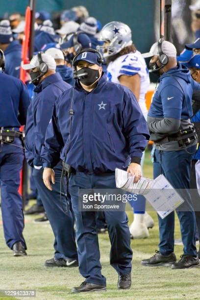 Dallas Cowboys head coach Mike McCarthy looks on during the game between the Dallas Cowboys and the Philadelphia Eagles on November 1, 2020 at...