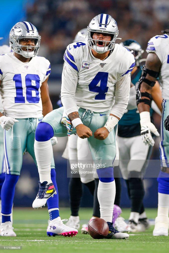 NFL: OCT 20 Eagles at Cowboys : News Photo