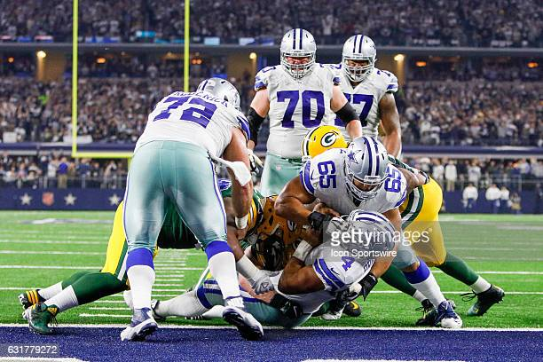 Dallas Cowboys quarterback Dak Prescott scores a 2 point conversion to tie the game late during the NFC Divisional Playoff game between the Dallas...