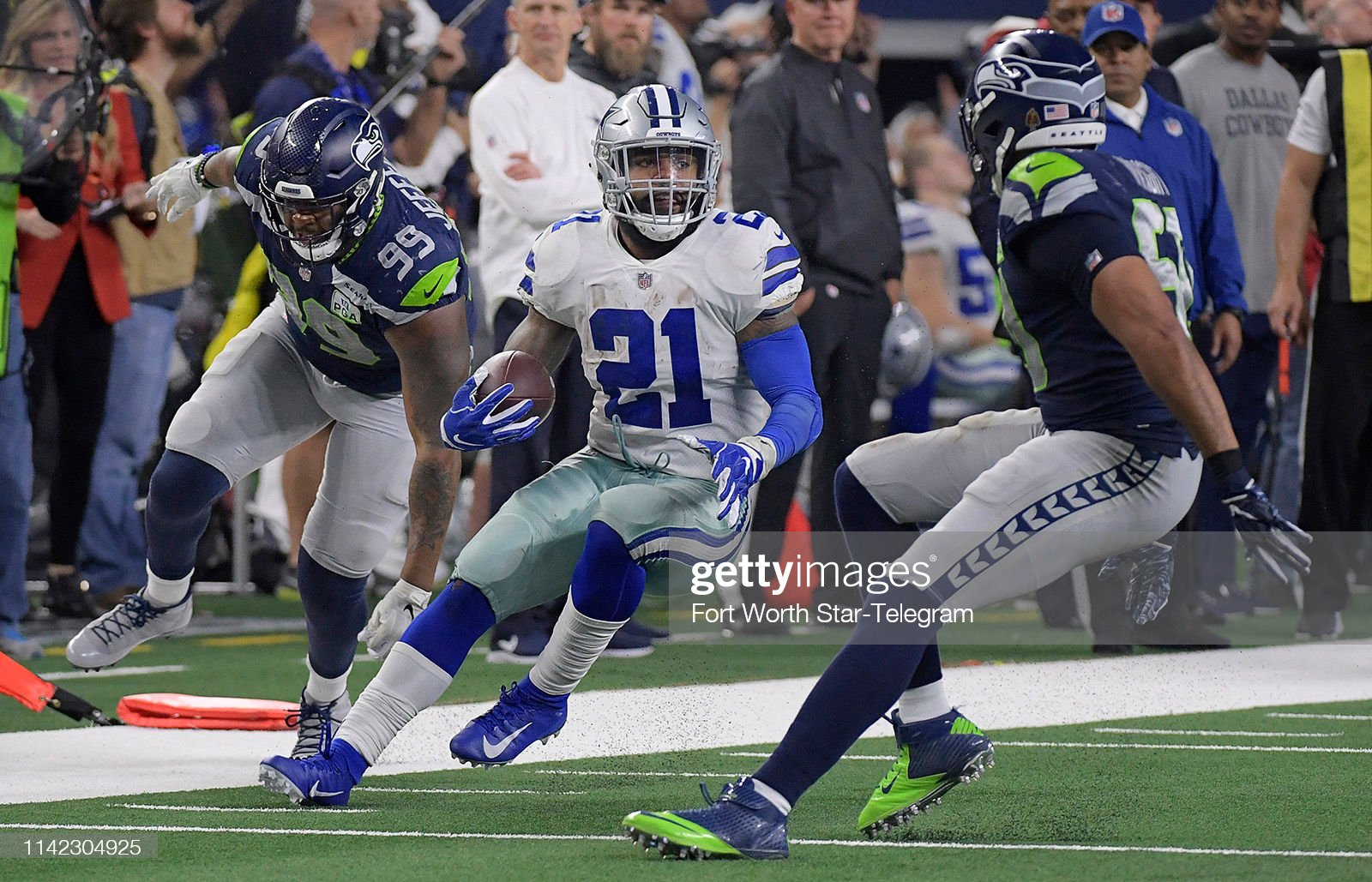 Bright soul Ezekiel Elliott will pay for the funeral of East St. Louis football star : News Photo