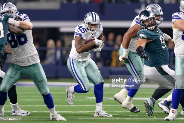 Dallas Cowboys Running Back Rod Smith rushes through a hole in the line during the game between the Philadelphia Eagles and Dallas Cowboys on...