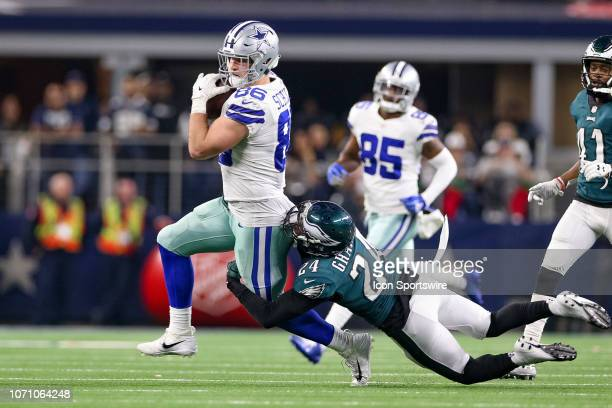 Dallas Cowboys Tight End Dalton Schultz makes a reception with Philadelphia Eagles Safety Corey Graham trailing during the game between the...
