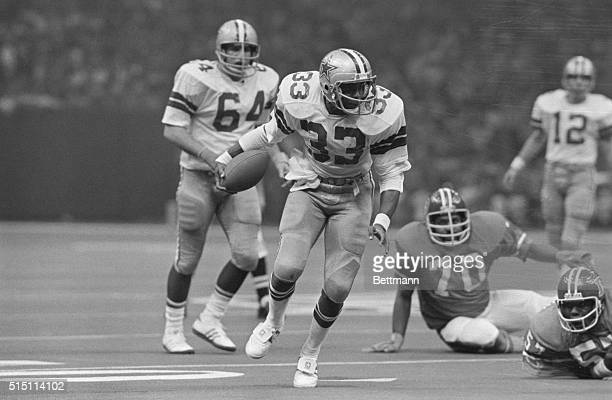 Dallas Cowboy's Tony Dorsett picks up yardage in Super Bowl game against Denver Broncos, January 15, 1978.