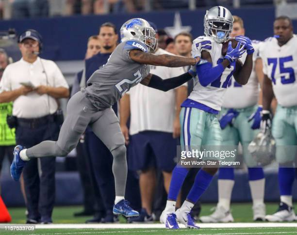 Dallas Cowboys wide receiver Allen Hurns hauls in a pass against Detroit Lions cornerback Darius Slay during the first half on Sunday Sept 30 2018 at...