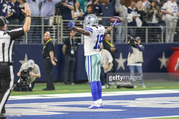 Dallas Cowboys wide receiver Amari Cooper catches a touchdown pass during the game between the Dallas Cowboys and the Philadelphia Eagles on December...