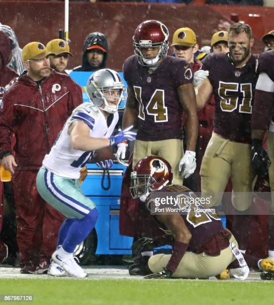 Dallas Cowboys wide receiver Ryan Switzer catches a first down pass in the third quarter as Washington Redskins cornerback Kendall Fuller defends on...