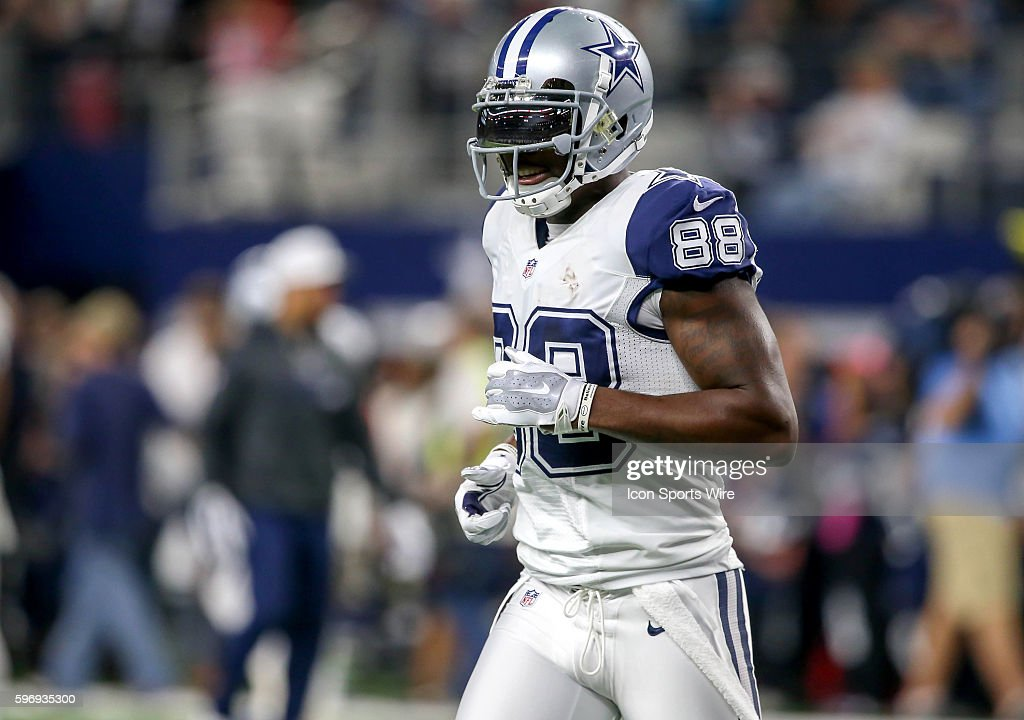 Dallas Cowboys Wr Dez Bryant Before The Nfl Thanksgiving