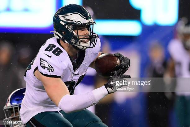 Dallas Goedert of the Philadelphia Eagles carries the ball against the New York Giants at MetLife Stadium on December 29 2019 in East Rutherford New...