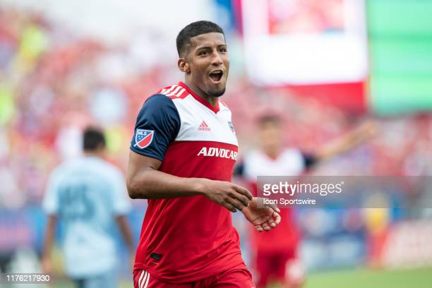 Dallas midfielder Santiago Mosquera celebrates after scoring a goal during the MLS soccer game between FC Dallas and Sporting Kansas City on October...