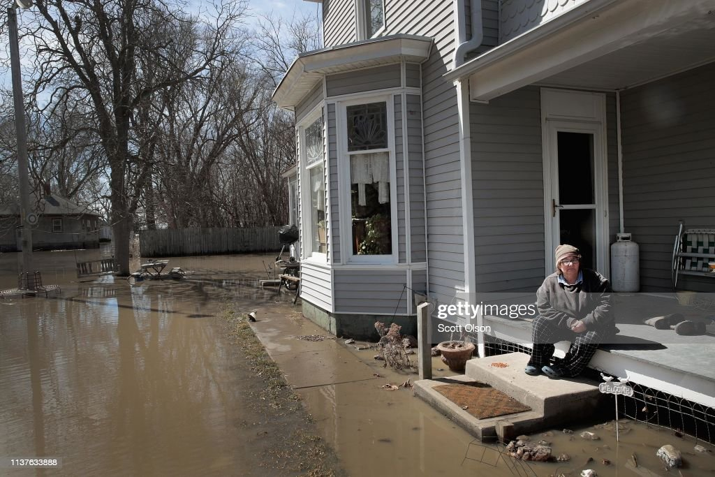 Flooding Continues To Cause Devastation Across Midwest : ニュース写真