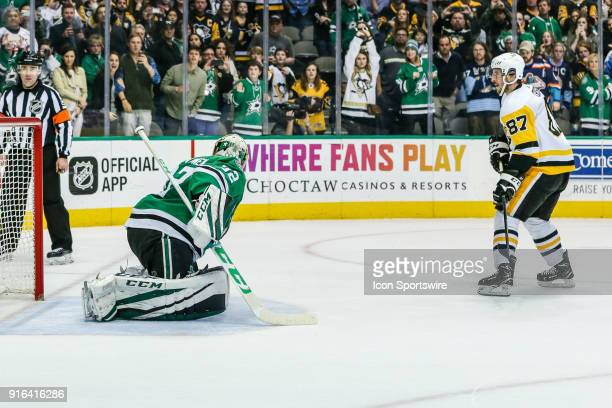 Dallas Stars goaltender Kari Lehtonen blocks a shot from Pittsburgh Penguins center Sidney Crosby during the shootout during the game between the...