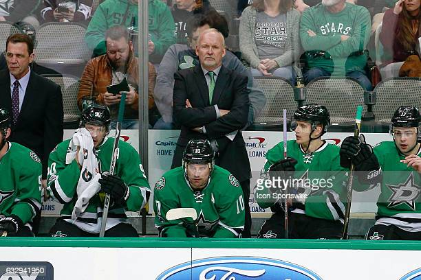 Dallas Stars head coach Lindy Ruff stands on the bench during the NHL game between the Buffalo Sabres and Dallas Stars on January 26 at American...