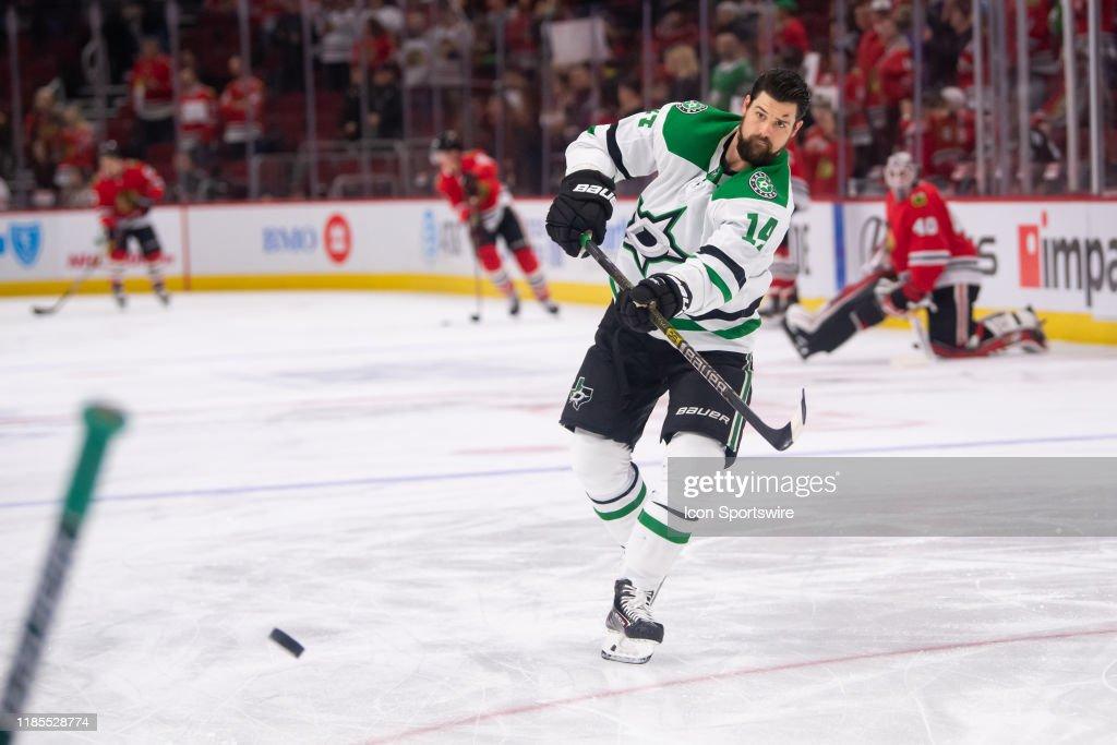 NHL: NOV 26 Stars at Blackhawks : News Photo