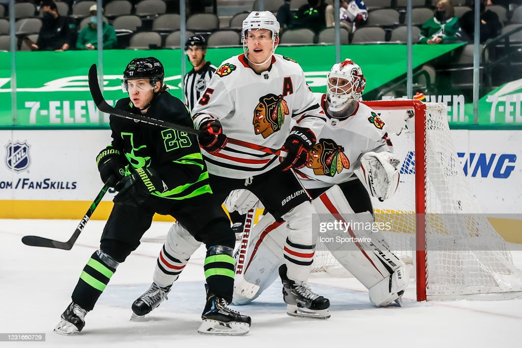 NHL: MAR 11 Blackhawks at Stars : News Photo