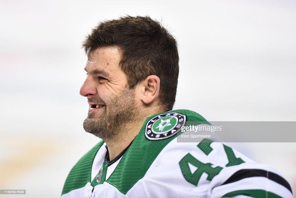 NHL: NOV 13 Stars at Flames : News Photo