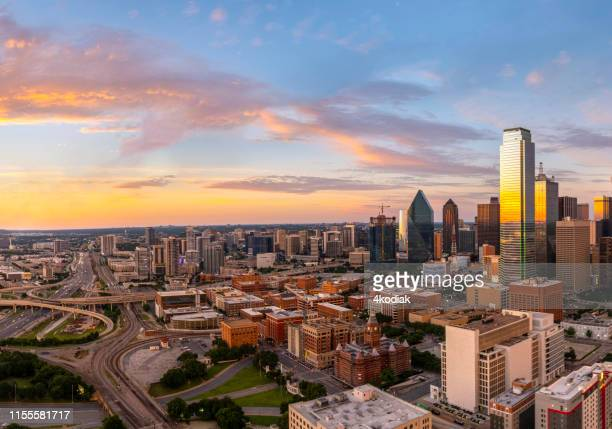 dallas texas evening skyline - dallas stock pictures, royalty-free photos & images