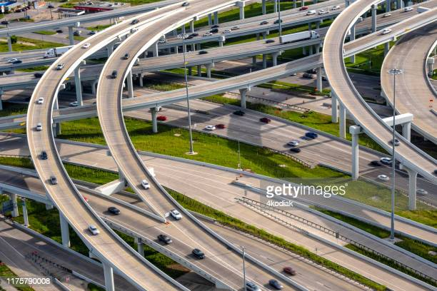 dallas traffic aerial - dallas texas stock pictures, royalty-free photos & images