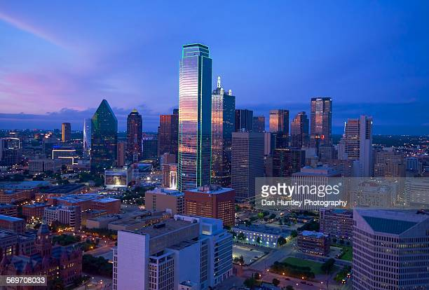 dallas tx skyline - dallas stock pictures, royalty-free photos & images