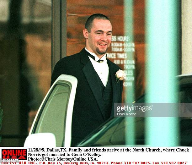 11/28/98 DallasTx Family And Friends Arrive At The North Church Where Actor Chuck Norris Got Married To Gena O'Kelley