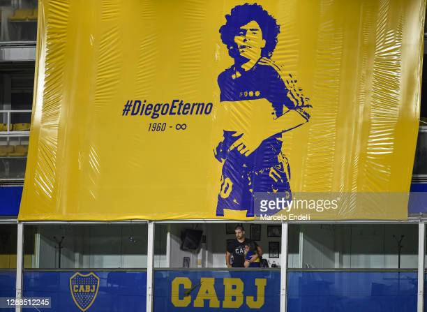 Dalma Maradona daughter of Diego Maradona cries from her father's box as players of Boca Juniors pay tribute to the late football legend after a...