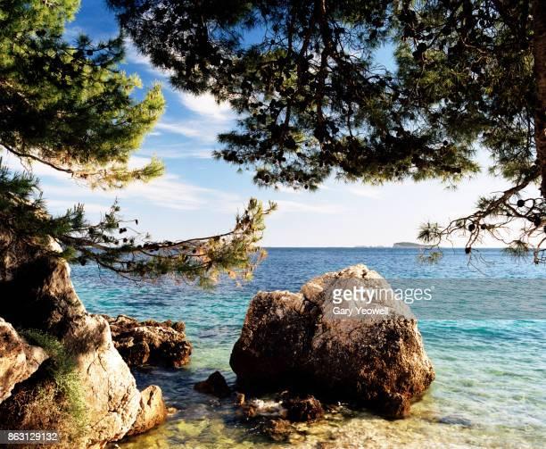 dalmatia coastline in croatia - yeowell stock pictures, royalty-free photos & images